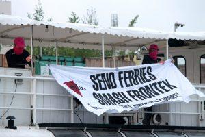 """Die Aktivisten der Gruppe """"Eklat Münster"""" haben unter anderem das Eventschiff MS Günther besetzt. (Foto: Eklat Münster)"""