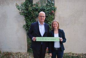 Dr. Gerd Meyer-Schwickerath (l.) von der Stiftung Westfalen-Initiative und Andrea Evers von der FreiwilligenAgentur Münster freuen sich auf die gemeinsame Veranstaltung für Vereine. (Foto: Freiwilligen-Agentur Münster)