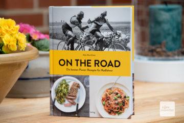 """So sieht's aus, das Buch """"On the Road - Die besten Power-Rezepte für Radfahrer"""" von Alan Murchison (Foto: Michael Bührke)"""