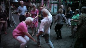 """Beim """"Faltenrock"""" tanzen Ü60jährige zu Rock-Classics und Hits mit Rock 'n' Roll, Swing, Twist, und Boogie. (Foto: PM)"""