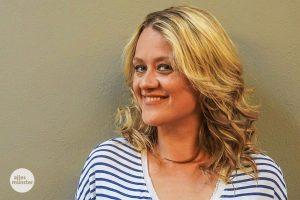 """""""Bei Radio Q habe ich meine erste Radio-Erfahrung gemacht"""", verrät Lisa Feller, """"aber ich kann sowas immer nur parodieren."""" (Foto: Lena Marie Brinkmann)"""