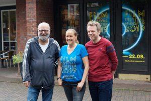 Das Team um Winfried Bettmer, Risna Olthuis und Carsten Happe präsentierte das 18. Filmfestival im Schloßtheater. (Foto: Filmfestival Münster)