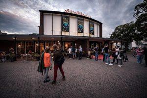 Vor dem Schloßtheater in Münster beim letzten Filmfestival Münster im Herbst 2019. (Foto: Thomas Mohn)