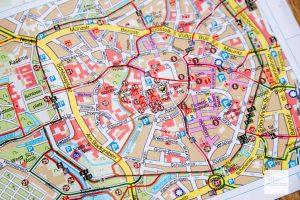 Eine Innenstadtkarte führt zu den Skulpturen Münsters (Foto: Bührke)