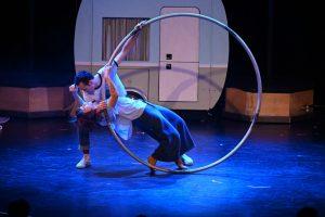 Akrobatik auf und hier vor dem Wohnwagen. Érika Hagen-Veilleux und Aaron DeWitt mit dem Cyr-Wheel. (Foto: GOP)