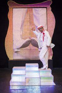 Marcel Peneux hat seine Tanzschuhe angezogen und steppt was das Zeug hält. (Foto: GOP)