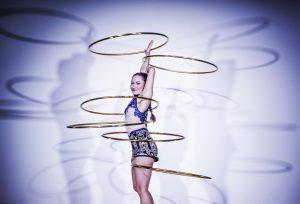 Die bezaubernde Mélodie Lamoureux beim Hula Hoop. (Bild: GOP)