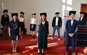 Hansa-Berufskolleg: Verabschiedung der Bachelorstudierenden der Studiengruppe WF16F. (Foto HBK-LV)