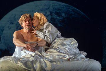 """Meinhard Zanger als """"Alex"""" und Ivana Langmajer als """"Georgie"""" in Rjasan. (Foto:Sergej Gazetov)"""