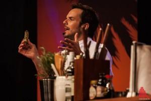 Scharfe Worte - und scharfes Gemüse. Hänseln mit einem Stück echtem Wasabi. (Foto: sg)