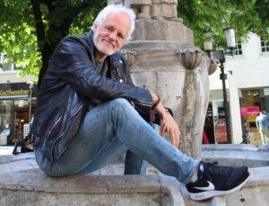 Ernst Hofacker am Lambertibrunnen. (Foto: Christoph Wüllner / Münster! Magazin)