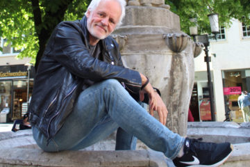 Ernst Hofacker am Lambertibrunnen. (Foto: Christoph Wüllner/Münster!Magazin)