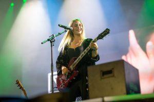Van de Forst auf großer Bühne bei der Gabalier Tour. (Foto: Jan Bonk)