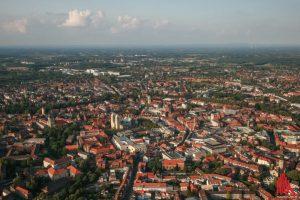 Eine Fahrt im Ballon bietet atemberaubende Ausblicke über Münsters historische Silhouette und später das gesamte Münsterland. (Foto: rwe)