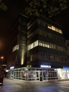 Fassadenbeleuchtung an der Windthorststraße 20.(Foto: Büro plan.werk Gesellschaft für Architektur und Städtebau mbH)