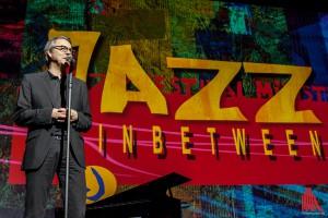 Immer wieder ein gutes Händchen für einen abwechslungsreichen Jazzabend: Festivalleiter Fritz Schmücker. (Foto: sg)
