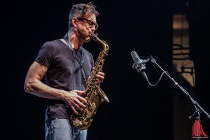 Westfalen-Jazz-Preisträger Florian Walter bei seinem kurzen Saxophon-Solo im Großen Haus. (Foto: Stephan Günther)