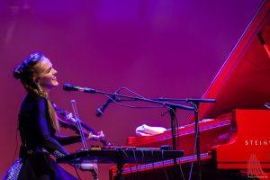 Die Estin Kadri Voorand malte frische Klangfarben auf die Bühne. (Foto: Stephan Günther)
