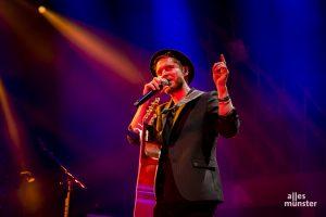 Johannes Oerding bei einem Konzert in Münster. (Foto: Claudia Feldmann)