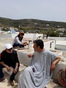 Regisseur Javad Karachi und Darsteller Panagiotis Verveniotis (Sokrates) bei Dreharbeiten in Griechenland. (Foto: Javad Karachi)
