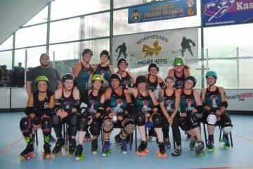 Das Team der Zombie Rollergirlz aus Münster. (Bild: Pressefoto)