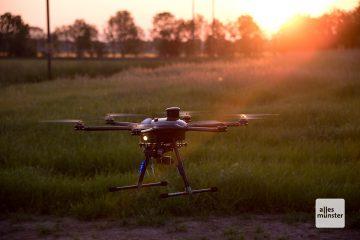 Marc Gesekers Drohne auf der Suche nach Wildtieren. (Foto: Michael Bührke)