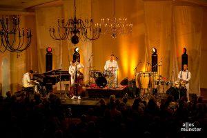 """Ein Wiedersehen in der Friedenskapelle ist mit den Klazz Brothers & Cuba Percussion und ihrem Programm """"Beethoven meets Cuba"""" geplant. (Foto: Claudia Feldmann)"""