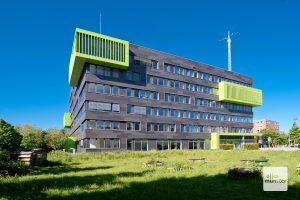 Das auffällige Gebäude an der Corrensstraße beherbergt das Institut für Landschaftsökologie (ILÖK) der WWU. (Foto: Michael Bührke)
