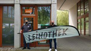Freuen sich über die neue Kooperation (v.l.): Marc Wiegang (AStA FH Münster) und Daniel Schaschek (Gründer der Leihothek). (Foto: Leihothek Münster)