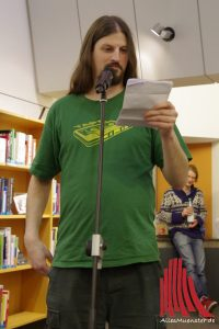 Michael Goehre gewann den Poetry Slam in der Stadtbücherei. (Foto: ka)