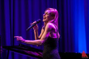 Ute Lemper bei einem Konzert in Münster im Januar 2015. (Foto: sg)