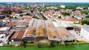"""Bald werden die Osmo-Hallen im Hafen abgerissen. Im Film """"Münster Above"""" werden sie nochmal in Szene gesetzt. (Foto: Screenshot / MS4L)"""