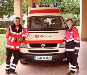 Sven Schöpper und Natascha Rubner von den Münsteraner Maltesern. (Foto: Malteser)
