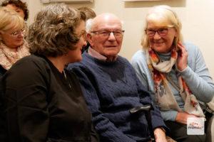 Marion Lohoff Börger (l.) mit ihren Eltern Elsbeth und Karl Lohoff während der Lesung in Borghorst. (Foto: Ralf Börger)