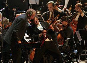 Die Neue Philharmonie Frankfurt wird am ersten August-Wochenende vor dem Schloss spielen. (Foto: Günther Hamisch)