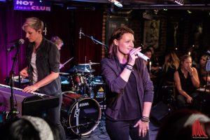 Viel Applaus zum Tourauftakt von Ohrenpost im Hot Jazz Club. (Foto: Stephan Günther)