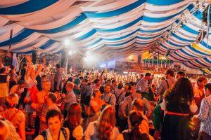 Partystimmung auch dieses Jahr wieder im Festzelt beim Oktoberfest Münster. (Foto: Rene Meyer)