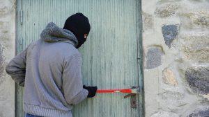 Sicherheitstechnik kann es Einbrechern schwermachen. (Symbolbild: CC0)