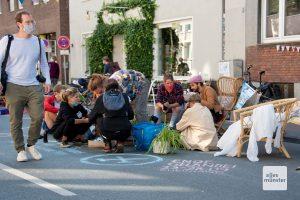 Organisationen, Initiativen und Einzelpersonen eroberten für einen Tag rund 600 Meter der Wolbecker Straße. (Foto: Bührke)