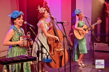 Höhepunkt der Benefiz-Gala im GOP-Varieté-Theater zugunsten des Pelikanhauses war der Auftritt der Zucchini Sistaz