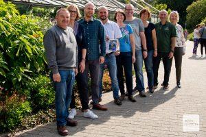 Mitarbeiterinnen und Mitarbeiter des Botanischen Gartens begrüßten am ersten Pflanzenpatentag zahlreiche Besucher (Foto: Michael Bührke)