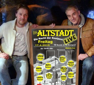 Auch bei Bernd Redeker (li.)  und Reiner Schlag in der Gorilla Bar wird kräftig gefeiert. (Foto: Promo)