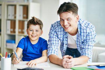 : Etwa jeder vierte Junge in Münster erhielt in 2019 rund um den Schulbeginn eine Sprachtherapie. (Foto: AOK/hfr)