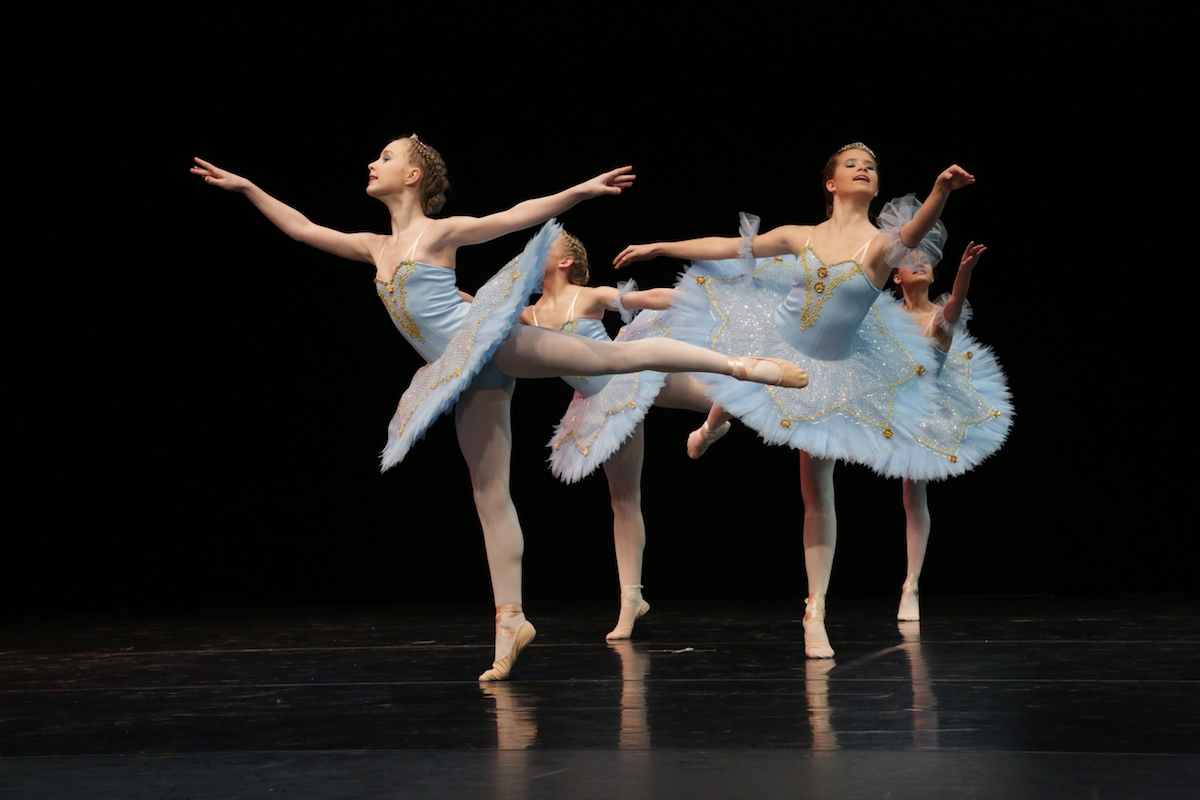 Auch für die Tänzerinnen des klassischen Quartetts geht es zur WM. (Foto: Pressefoto)