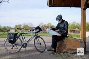 Beim Radeln durch das Münsterland kann der Mundschutz mit gutem Gewissen in der Tasche bleiben (Foto: Michael Bührke)