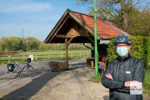 Auf Tour durch's Münsterland nur mit Mundschutz? Das ist natürlich Quatsch, sofern sich keine weiteren Personen in unmittelbarer Nähe befinden (Foto: Michael Bührke)