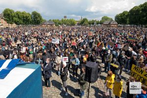 Die Demo musste vom Stubengassenplatz zum Schlossplatz verlegt werden. (Foto: Michael Bührke)