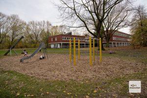 Nicht nur der Spielplatz macht das Gelände zum idealen Standort für eine Kita (Foto: Bührke)