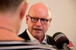 Oberbürgermeister Markus Lewe hat einen Runden Tisch initiiert, um die Ursachen des Fischsterbens aufzuklären. (Foto: Michael Bührke)