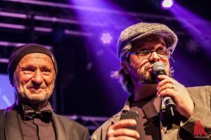 Das skate-aid Team um Initiator Titus Dittmann (li.) lädt zur großen Jubiläumsgala. Auch Musiker Henning Wehland wird auf der Bühne stehen. (Foto: sg)
